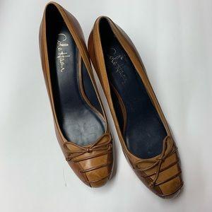 S18- 1. NWB-  COLE HANN two tone shoes